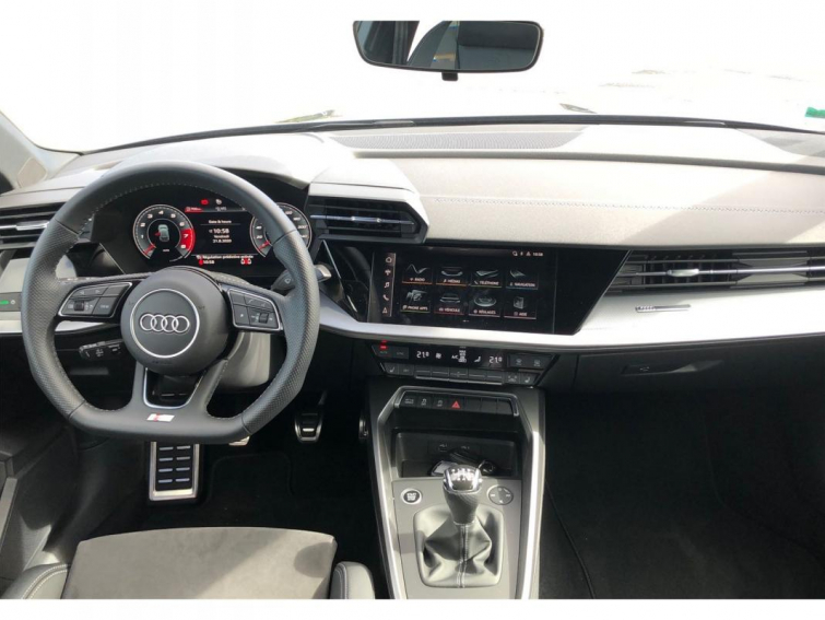 Audi A3 IV Sportback 35 TFSI 150 S line