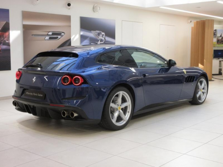 FERRARI Ferrari gtc4 lusso 4RM v12