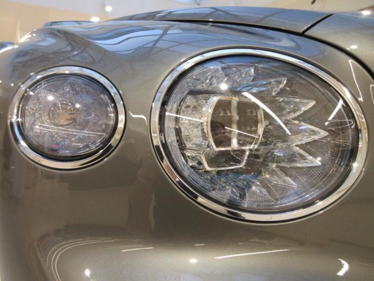 BENTLEY Flying Spur V8 4.0 550ch