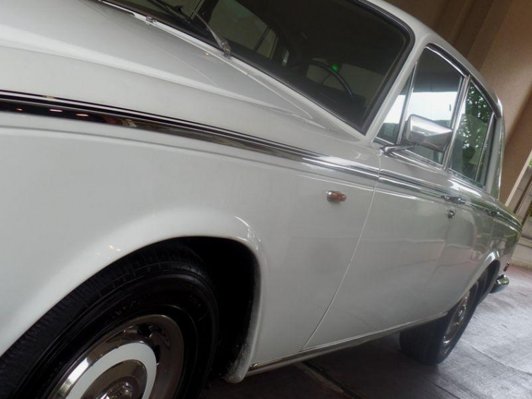 ROLLS ROYCE SILVER SHADOW6.8 V8