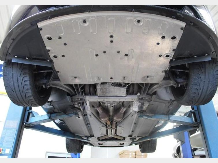 ASTON MARTIN - V12 Vantage Black Edition