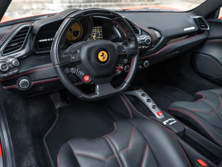 488 GTB *RACING SEATS*