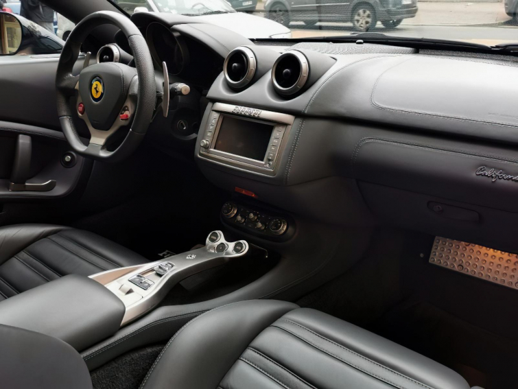 Ferrari California 4.3 V8 460CV