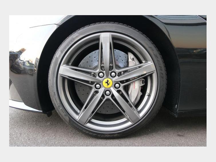 Ferrari F12 BERLINETTA 740 DCT F1