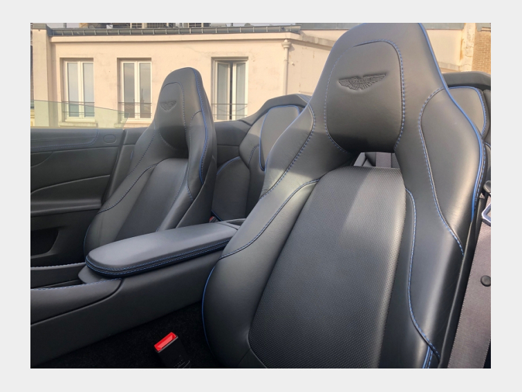 VANQUISH VOLANTE V12 5.9 570CH TOUCHTRONIC III