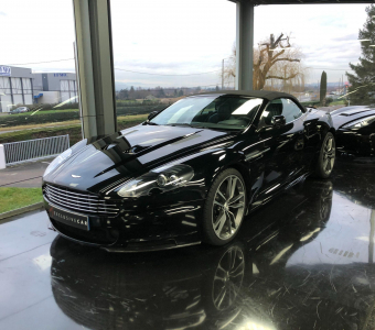 ASTON MARTIN DBS V12 Volante Black Carbon Edition