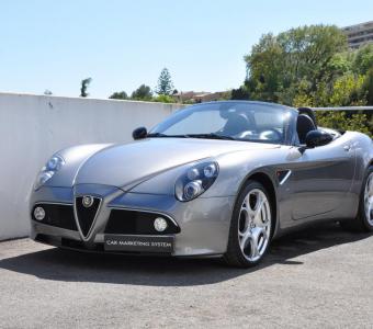 Alfa Romeo 8C Spider 4.7 V8 450ch