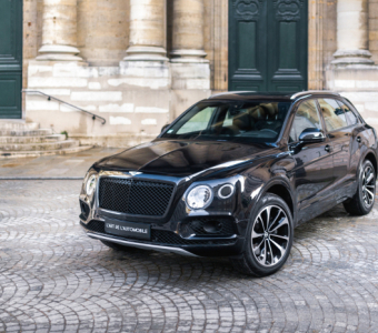 Bentley Bentayga V8 *Pure Black*